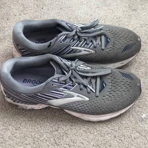 Brooks Adrenaline GTS 19 Running Shoes